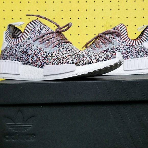 4a2ed36d8 NEW Men s Adidas NMD R1 Primeknit Color Static